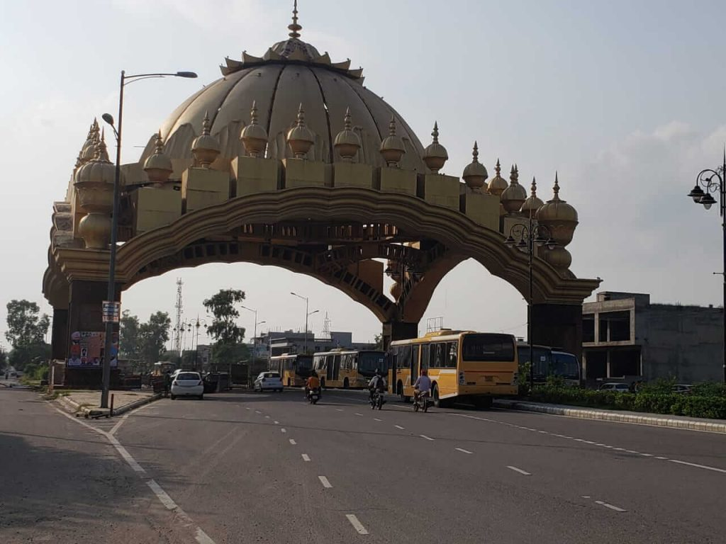 taxi service in amritsar